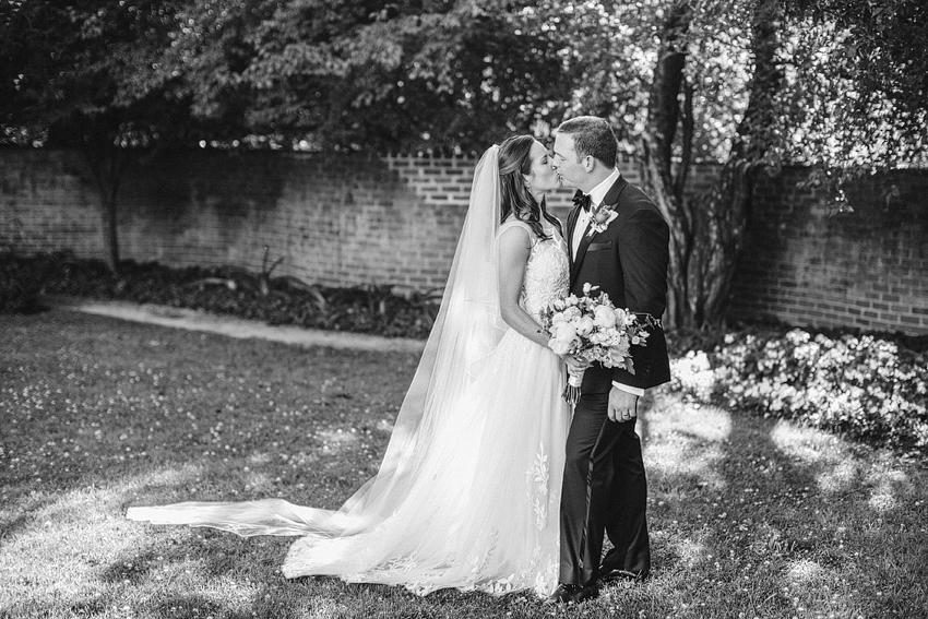 Farmington_Country_Club_Wedding_024